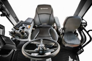 Versatile 4WD Serafing Ag Pro Riverina Stockist